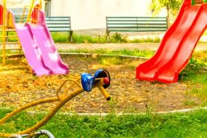Plac zabaw do posprzątania